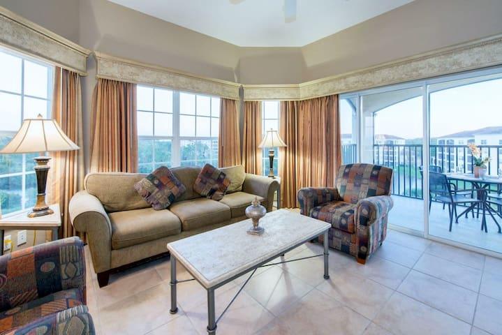 3 Bedroom Luxury Condo - 1 Mile to Disney (6)
