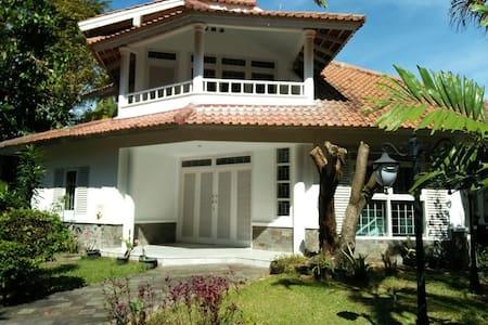 3BR Beach House, Pisita, Anyer
