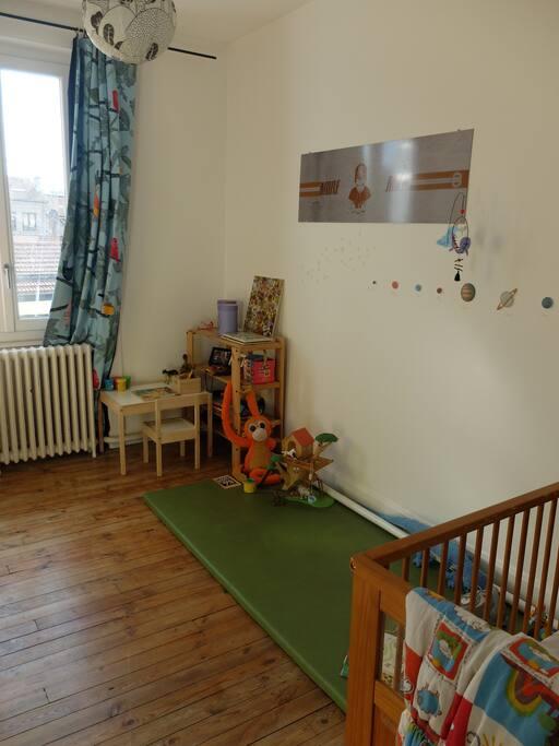 une chambre pour 2 enfants ou un bébé