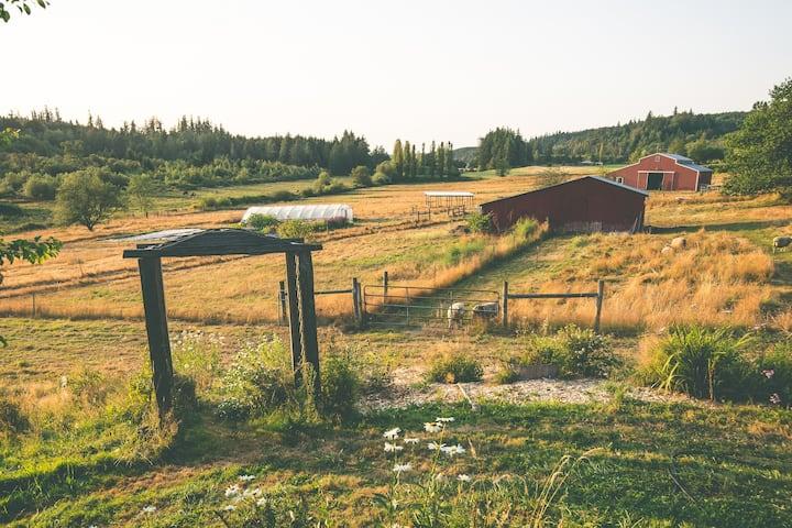 White Lotus Farm & Inn Farmhouse Suite
