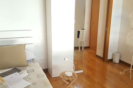 royal single room b - Bergamo