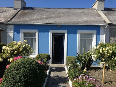 Town Centre Holiday Cottage  - available Sept/Oct
