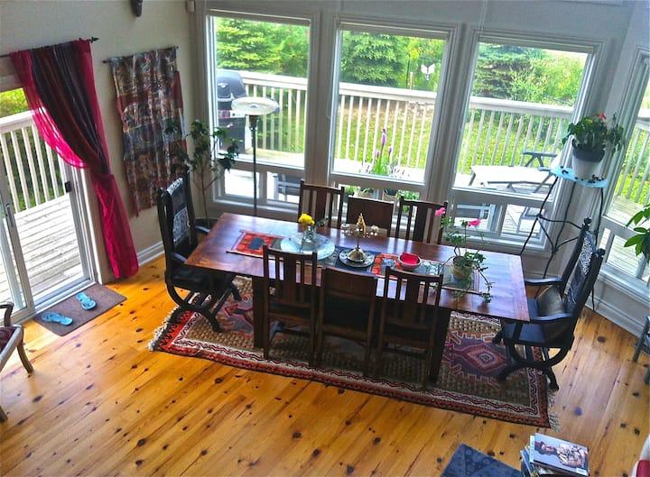 Designer bright/open lake view home