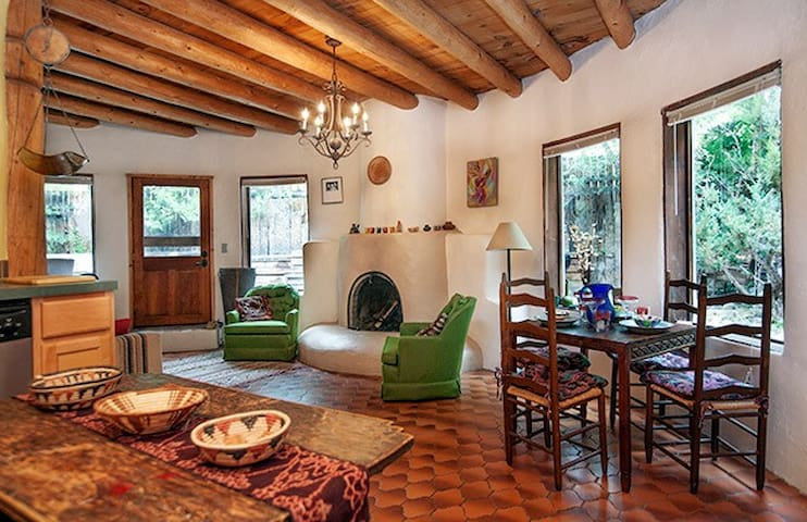 SiSteR CaSiTa - Bohemian & Dog Friendly!!! - Taos - House