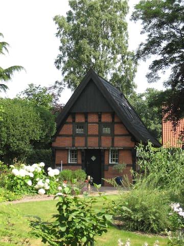Backspieker - historisches Häuschen - Sögel - บ้าน