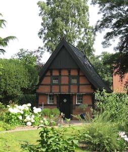Backspieker - historisches Häuschen - Sögel - Huis