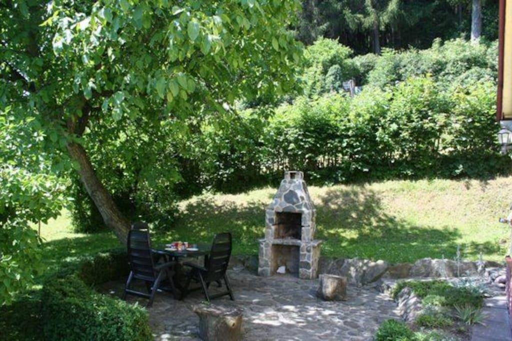 Terras, tuin meubilair is aanwezig