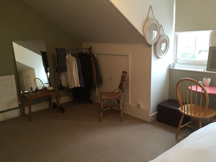 Spacious room, fully furnished