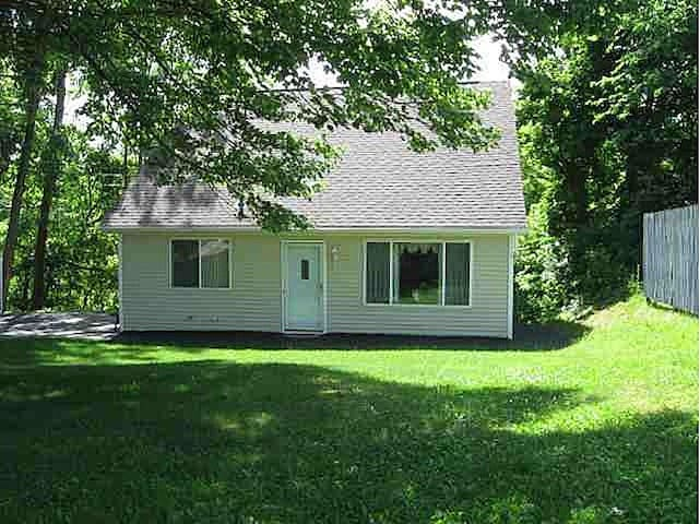 Pristine Cape Cod on the Creek! 4 Beds   8 Guest!
