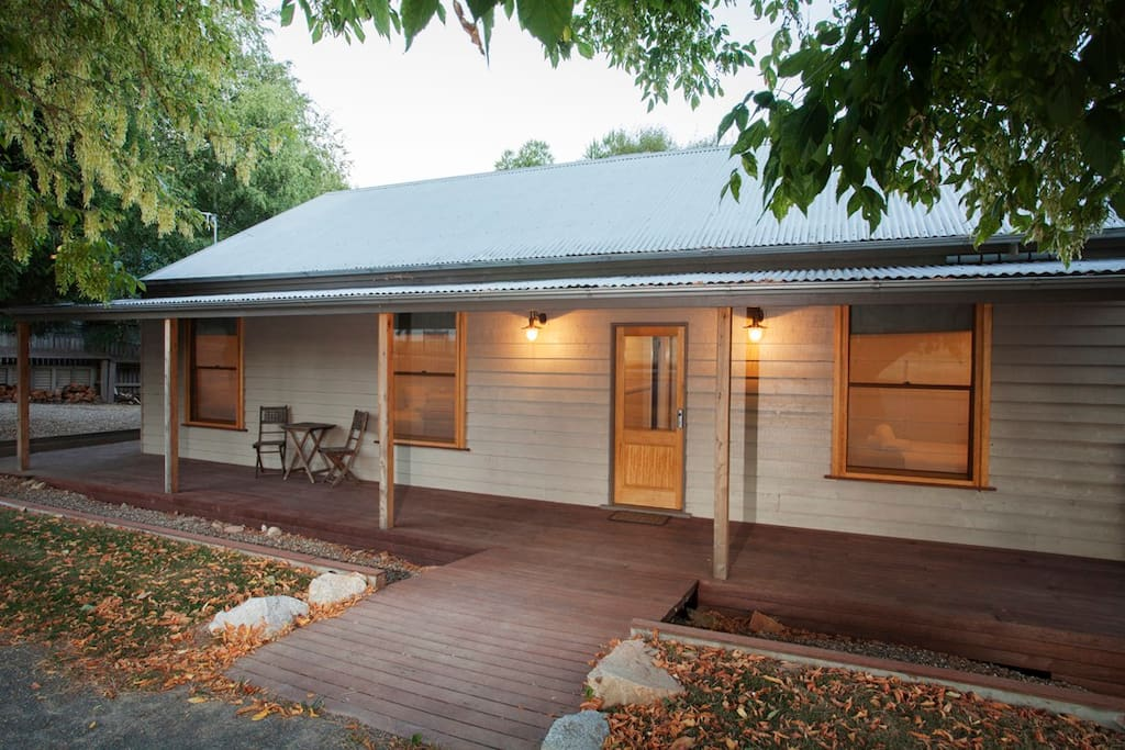Central three bedroom cottage