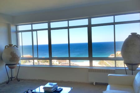 Amazing Beach Views Over Tamarama - Tamarama - Apartmen