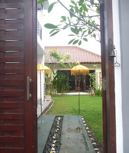 Modern western house Bungalow 2 - House