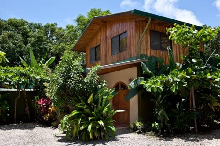 Villa PAPAYA-Villas Solar, Walk to Best Beach/Surf
