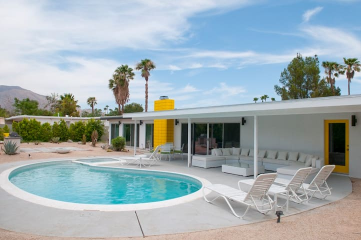 Mid Century Gem Pool Home in PS - Palm Springs - Talo