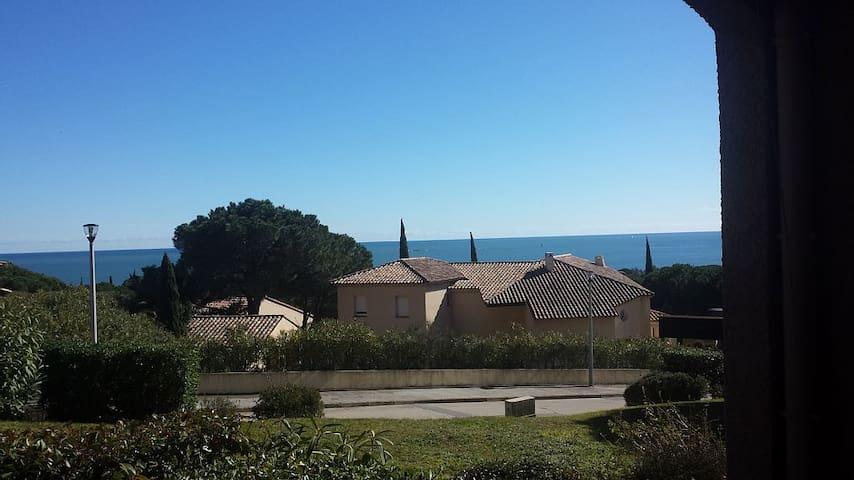 Studio Sainte-Maxime vue mer 300m de la plage