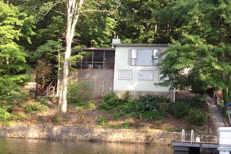 Dock Holiday House - Robbinsville - Hus
