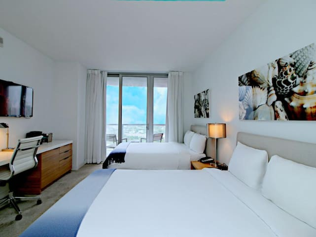 1703B BeachWalk Miami Hallandale Resort 20 % OFF