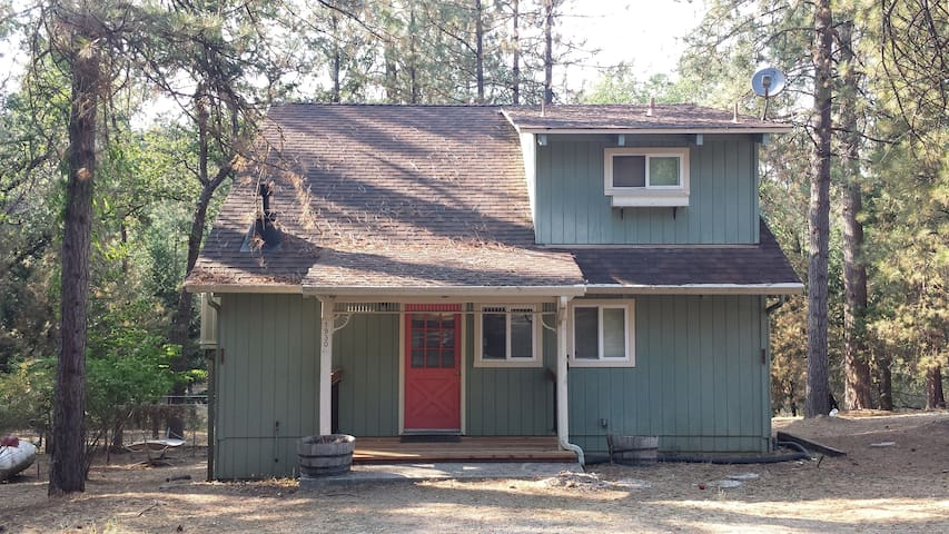 Yosemite Cozy Cottage - Groveland - Kabin
