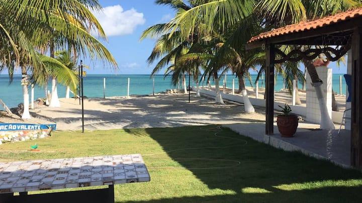 Paraíso privado em Enseada dos Golfinhos beira mar
