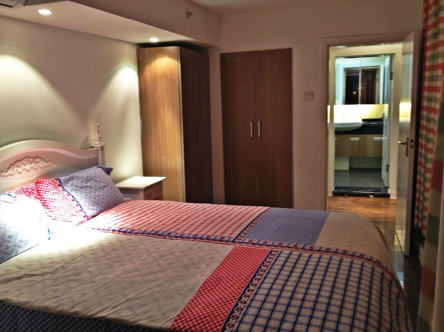 二楼卧室1