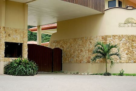 Tropical Costa Rican 2 bed Condo - Jaco - House