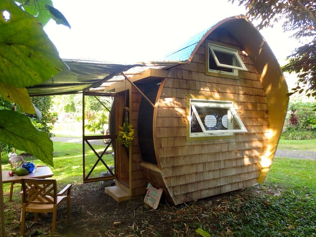 Eco-Retreat: DolphinPod Glamping - Pāhoa