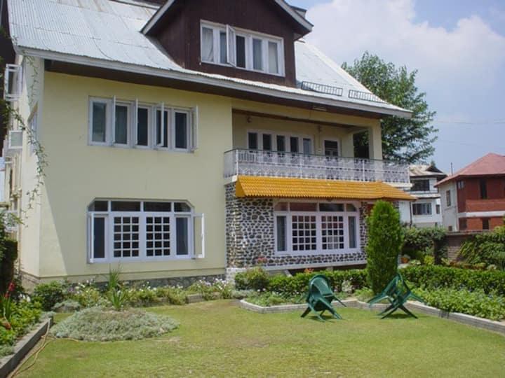 Kashmiriyat ,Luxury Double Room-4