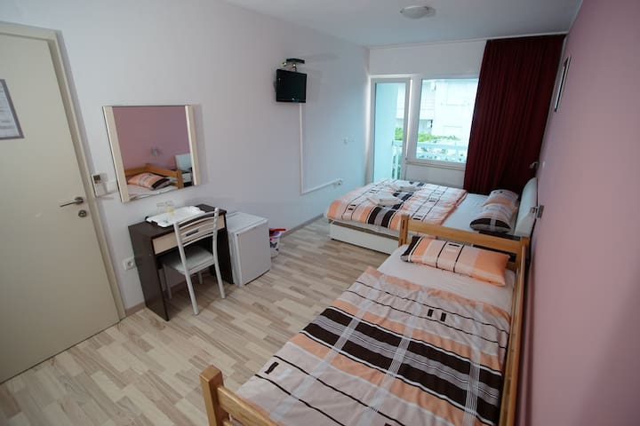 Room for 3 - Promajna - Bed & Breakfast