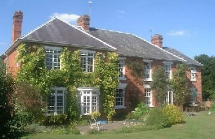 Have a sleepover in Rural Worcestershire
