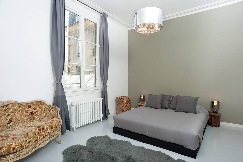 The huge bedroom... 15 m2...
