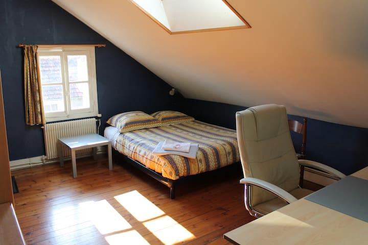ROOM in CAEN : av. Charlotte Corday - Caen - Bed & Breakfast