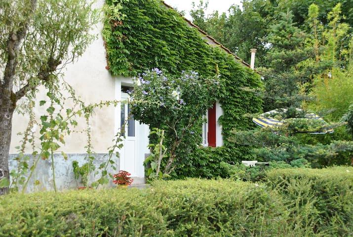 Gite en Charente - Baignes-Sainte-Radegonde - Σπίτι