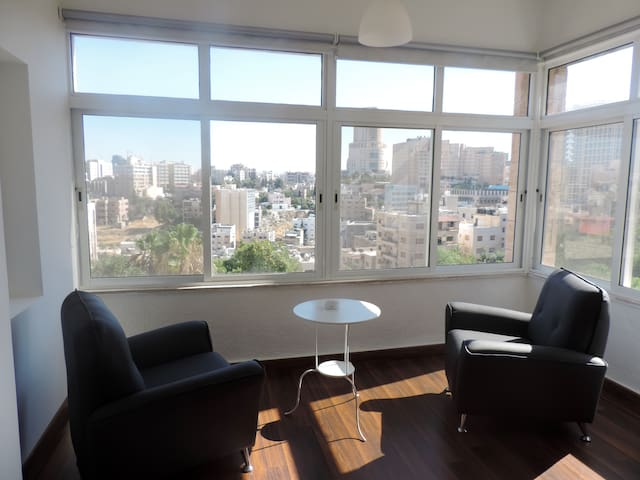 Elegant relaxing apt in the center with great view