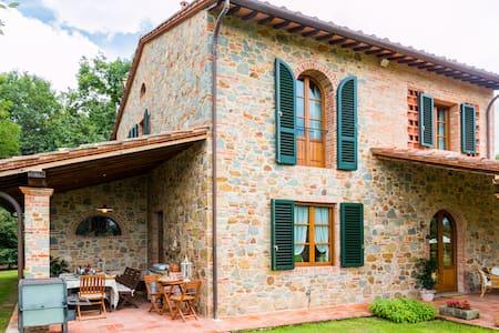 Charming Villa in Stone in Tuscany - Orentano
