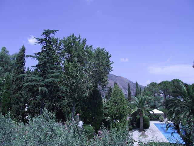 Villa Sicliana parco di 1500 mteri