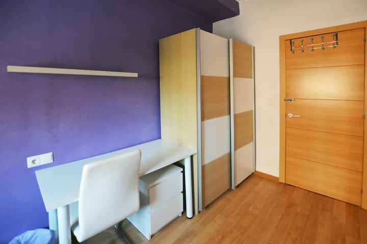 Beautiful double room (Students Only)