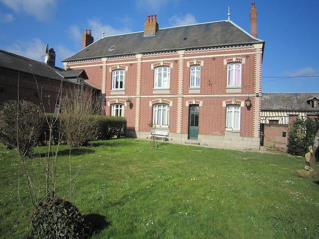 Grand gîte familial - Bouttencourt - Hus