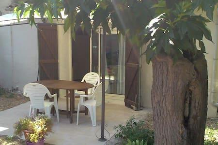 Studio avec terrasse et jardin - Le Grau d'Agde