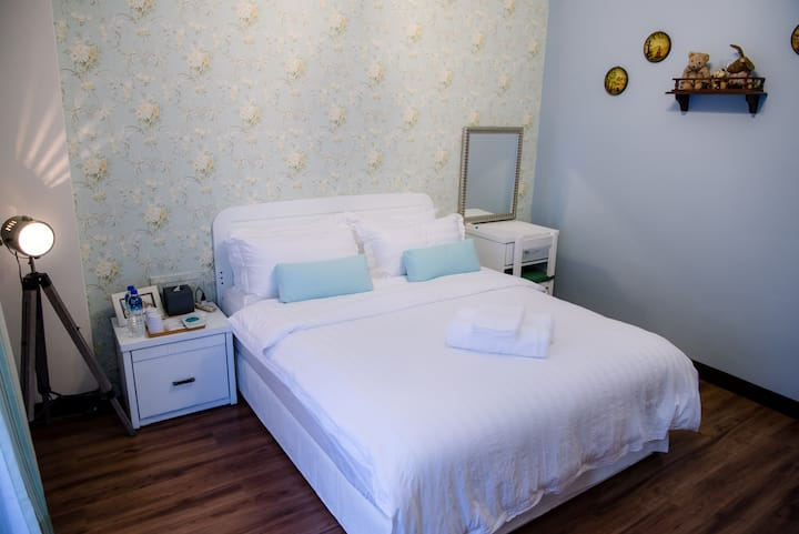 Summer Time - Romantic Champs Double Room