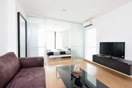 Clean modern full furnished 1 BD - Bangkok - Appartamento