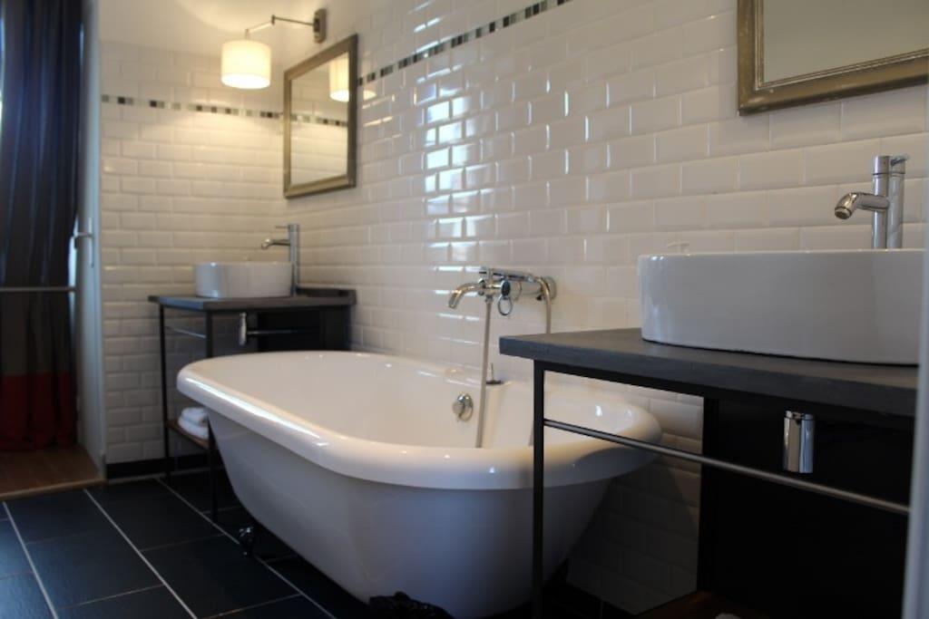 La salle de bains rétro.