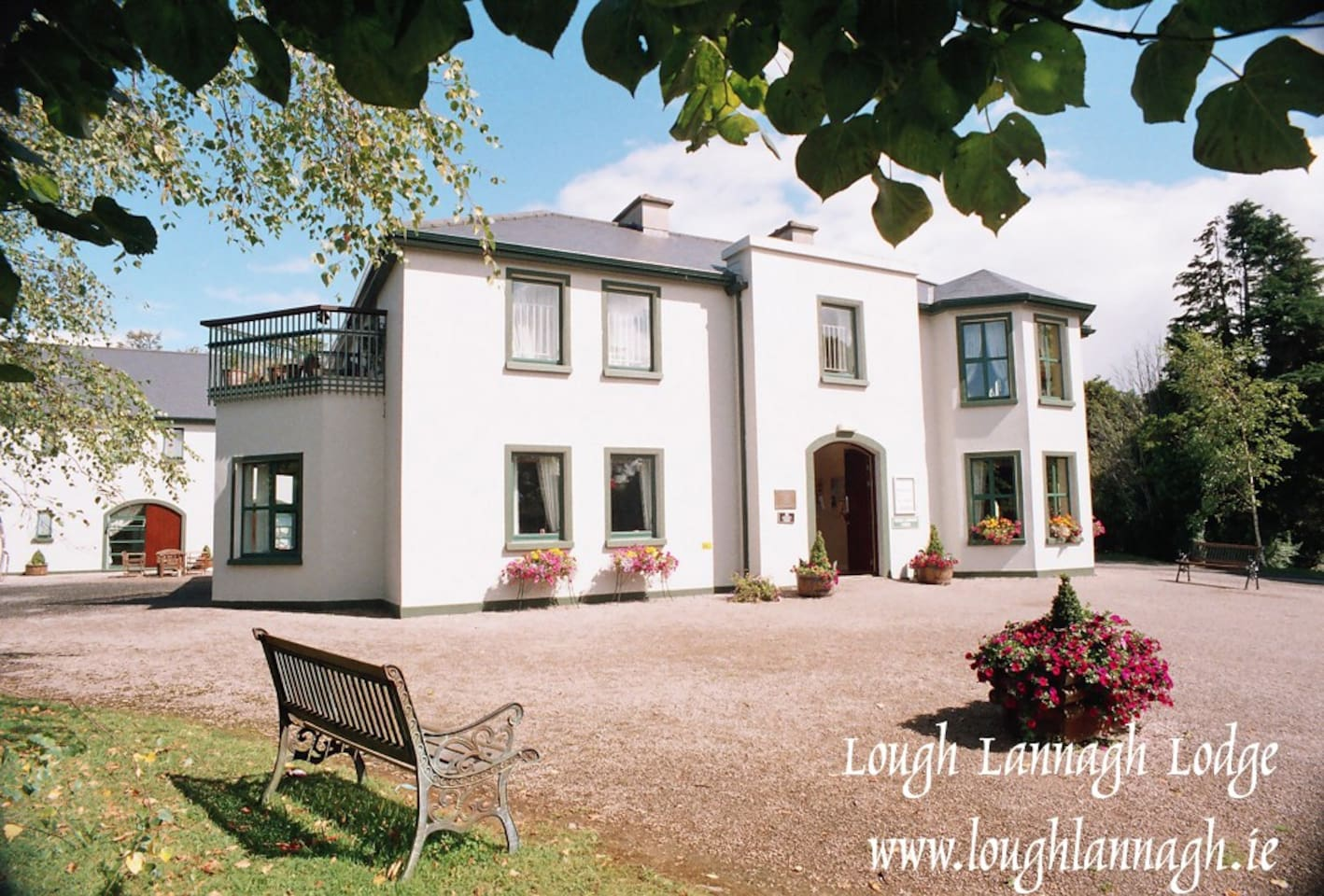 Beside Lough Lannagh lake, in walking distance of Castlebar, 15 drive to Westport. AA 3 star guest accommodation.