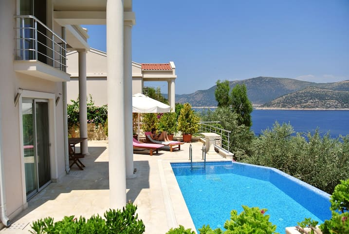 Seafront villa with private pool - Kalkan - Vila