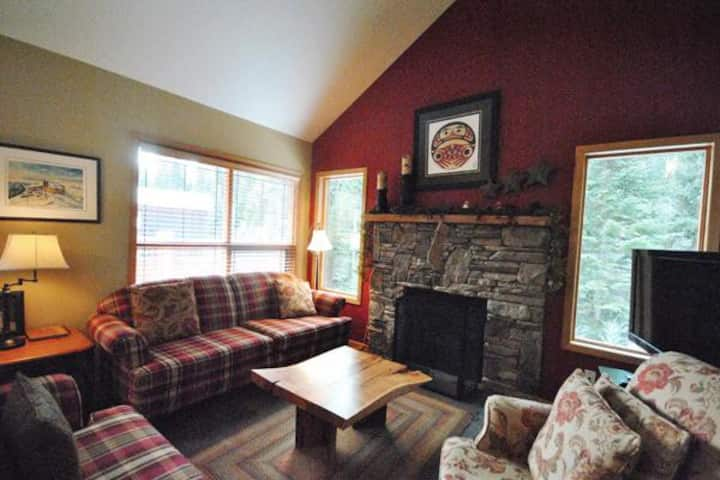 Cottages 6: Rustic Cabin Vibe 3BD/2BT with Hot Tub