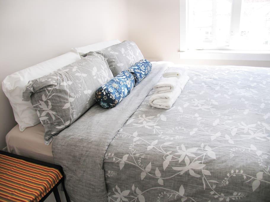 Bedroom is quiet 房间内安静舒适