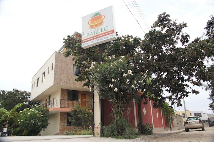Casa Raiz.EC (Turismo Vivencial con Artesanos)