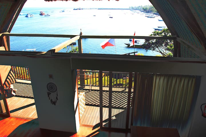 Apartment on clear sea view with boat service
