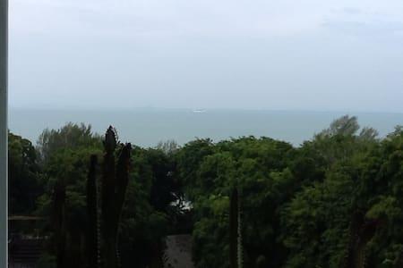 Privacy Seaview & Fresh Mountain Air Homestay - Batu Feringgi - Apartment
