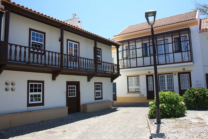The Beach House - São Pedro de Moel  - บ้าน