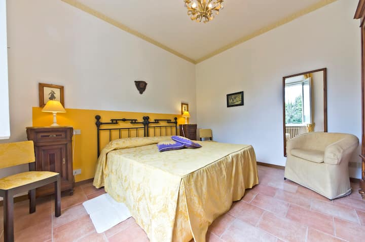 holiday  apartment  close  to  Tuscan  treasures